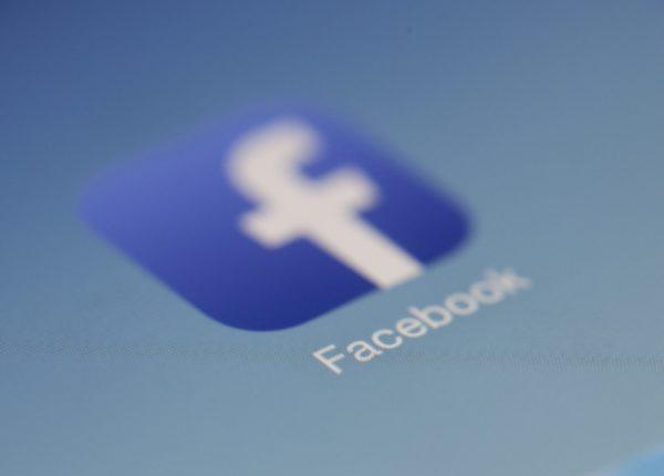 facebook licenciement avocat